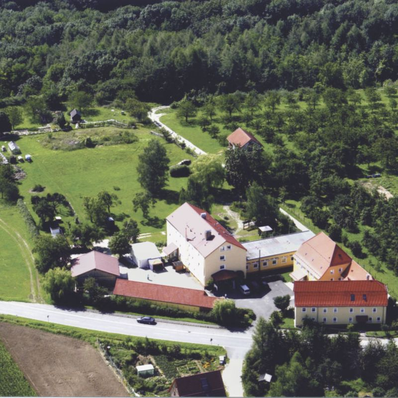 Außenansicht des Gebäudes vom Haus Martinsruh von oben