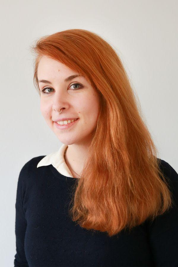 Portrait von Leonie Lawen, die Einrichtungsleiterin der Spiel- und Lernstube Lobsinger