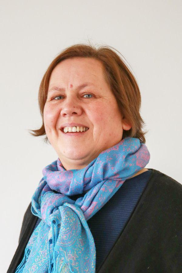 Portrait von Anita Dorsch, der Einrichtungsleiterin der Bahnhofsmission