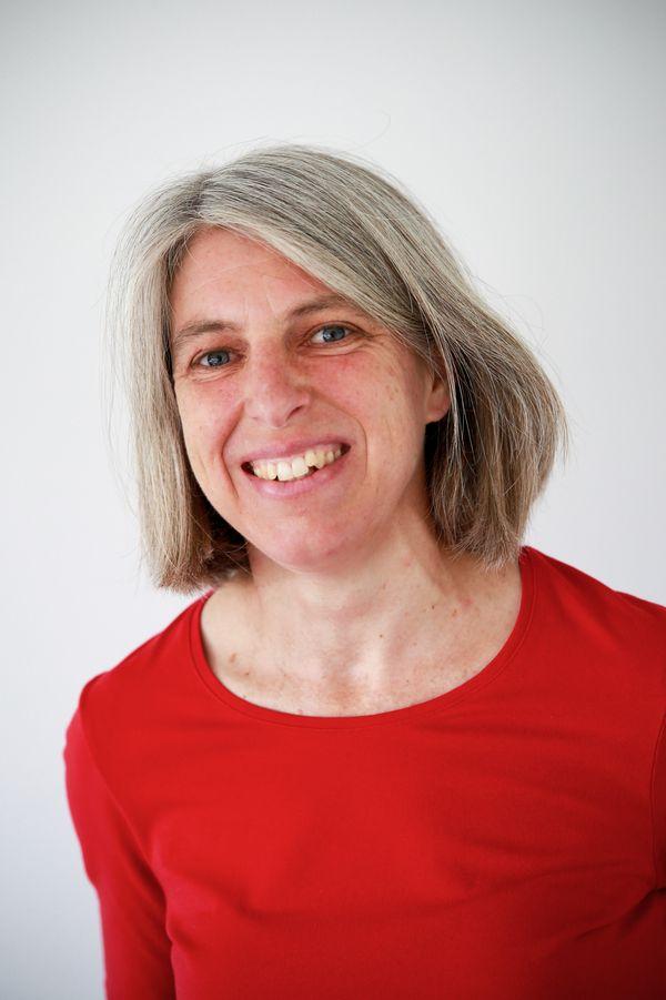 Portrait von Kathrin Strohhöfer, der Einrichtungsleiterin der AIDS-Beratung Mittelfranken