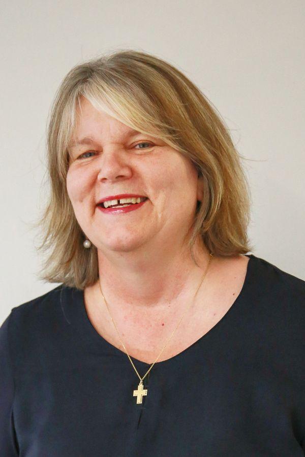 Portrait der Einrichtungsleitung Brigitte Fartaj (Integrationsberatung)