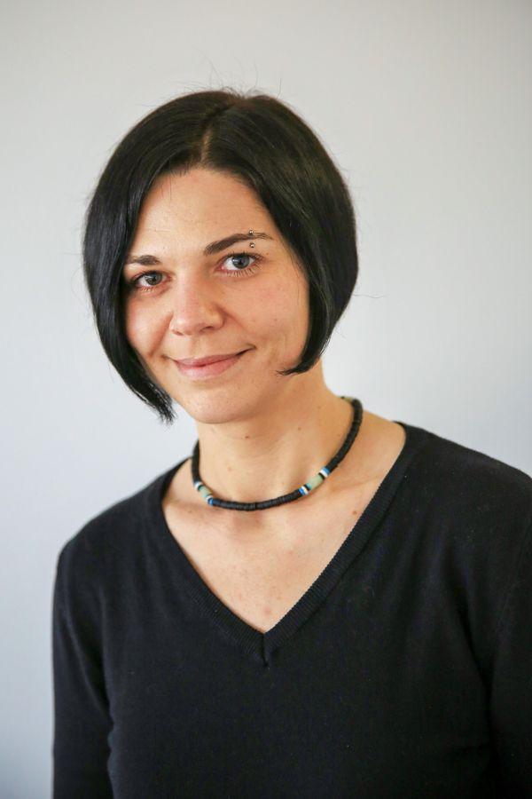 Portrait von Miriam Oppel, Teamleitung der Schulbegleitung der Autismus-Ambulanz