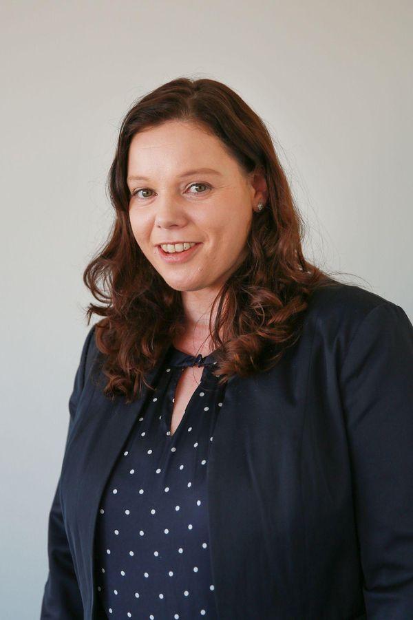 Portrait von Kristin Reidy, der Einrichtungsleitung des Diana_Horts